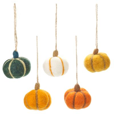 Handmade Felt Hanging Halloween Pumpkins (Set of 5) Hanging Deccorations
